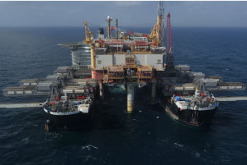 PHOTOS: Pioneering Spirit achieves Yme lift
