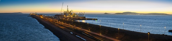 Semisub at pier in Saldanha Bay, RSA; image from AngloAmerican